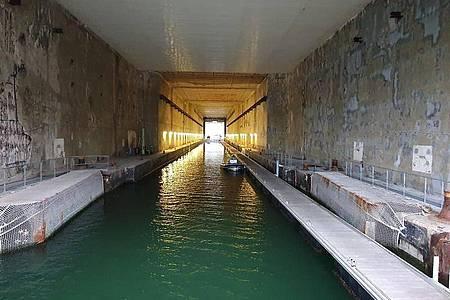 Der U-Boot Bunker Keroman 3 in Lorient. Foto: Andreas Vennewald/ZDF/dpa