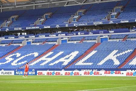 Das Spiel des FC Schalke gegen Werder Bremen wird ohne Zuschauern ausgetragen. Foto: Bernd Thissen/dpa-Pool/dpa