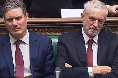 Könnten sich an der Spitze der Labour-Partei ablösen:Jeremy Corbyn (r) und Keir Starmer. Foto: Pa/PA Wire/dpa