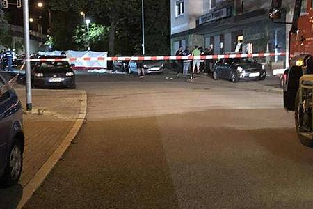 Ein Betrunkener ist inPirmasens in eine Menschengruppe gefahren. Foto: Polizei Pirmasens/dpa