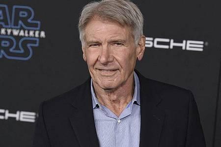 In seiner Freizeit steuert Harrison Ford gerne sein Kleinflugzeug. Jetzt gab es einen erneuten Zwischenfall. Foto: Jordan Strauss/Invision/AP/dpa