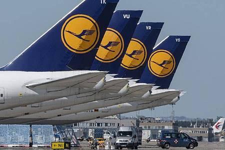 Laut Kanzlerin Merkel steht eine Entscheidung über ein Rettungspaket für die schwer angeschlagene Lufthansa kurz bevor. Foto: Boris Roessler/dpa