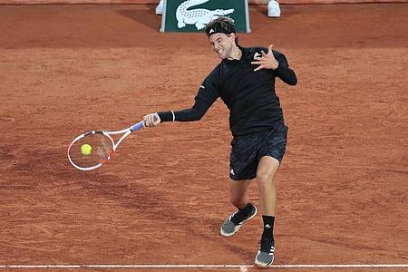 Dominic Thiem hat bei den French Open das Achtelfinale erreicht. Foto: Michel Euler/AP/dpa