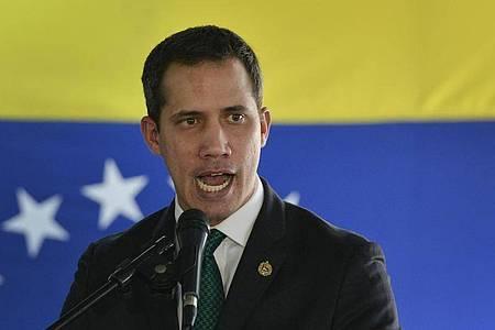 Venezuela klagt Oppositionsführer Juan Guaidó an. Foto: Matias Delacroix/AP/dpa
