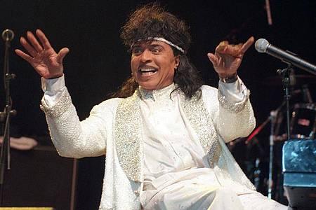 Little Richard, der «King of Rock`n`Roll», bei einem Konzert in der Grugahalle 1997. Foto: Herbert Spies/dpa