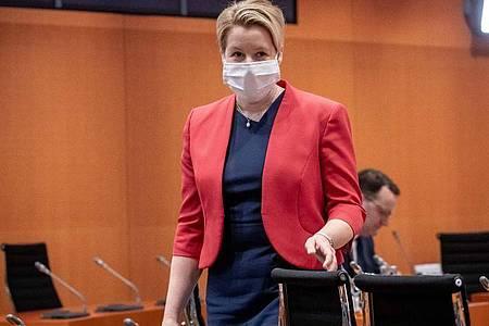 Familienministerin Franziska Giffey will dennoch an ihrer Kandidatur für den Berliner SPD-Landesvorsitz festhalten. Foto: Michael Kappeler/dpa-pool/dpa