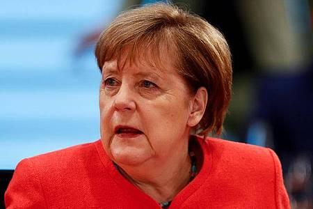 Bundeskanzlerin Angela Merkel: «Nehmen Sie es ernst, denn es ist ernst.». Foto: Hannibal Hanschke/Reuters Pool/dpa