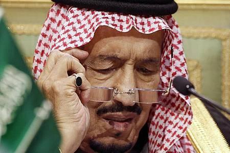 Über seinen Gesundheitszustand gibt es immer wieder Spekulationen: Salman bin Abdulaziz Al Saud. Foto: Amr Nabil/AP/dpa