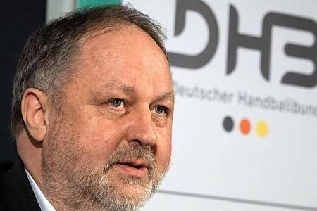 DHB-Präsident Andreas Michelmann spricht bei einer Pressekonferenz. Foto: David Hutzler/dpa/Archiv