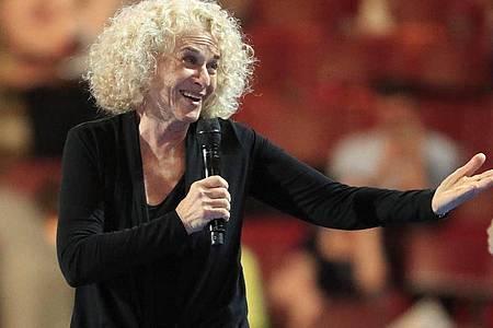 Carole King dichtet wegen der Coronavirus-Krise ihren Hit um. Foto: Tannen Maury/epa/dpa
