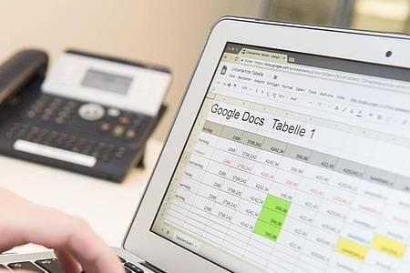 «Google Docs» ist nur eine von zahlreichen Online-Lösungen. Foto: Robert Günther/dpa-tmn