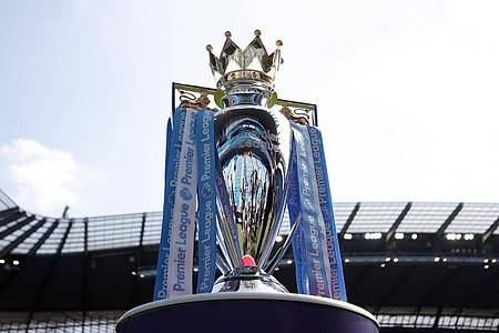 Auch in der Premier League soll der Ball bald wieder rollen. Foto: Martin Rickett/PA Wire/dpa