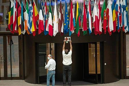 Ab heute treffen sich die EU-Staats- und Regierungschefs zur Kompromiss-Suche. Foto: Francisco Seco/AP/dpa