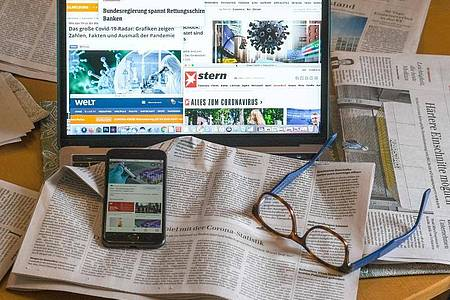 67 Prozent der Befragten einer Studie halten die Informationen in den Medien alles in allem für glaubwürdig. Foto: Jens Kalaene/dpa-Zentralbild/dpa