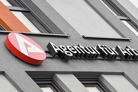 Die Arbeitsagenturen beraten derzeit viele Firmen. Foto: Patrick Pleul/dpa-Zentralbild/ZB