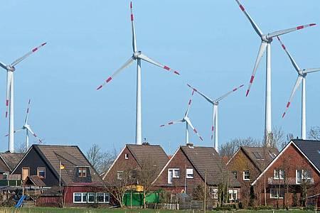 Union und SPD noch ohne Einigung für Mindestabstand für Windräder. Foto: Ingo Wagner/dpa