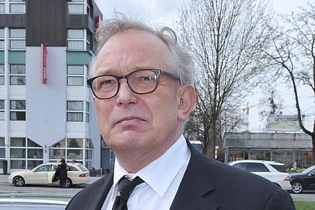 Promi-Friseur Gerhard Meir 2015 in München. Meir starb im Alter von 65 Jahren. Foto: Ursula Düren/dpa