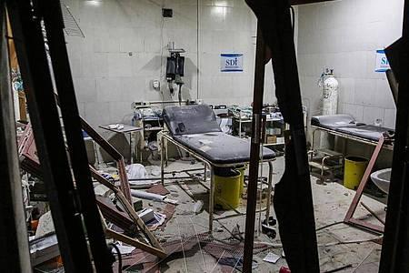 Das Shami-Krankenhaus in der Provinz Idlib, nachdem es Ziel von einem Luftangriff war. Foto: Anas Alkharboutli/dpa