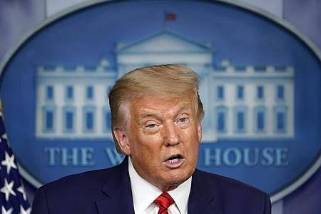 Donald Trump spricht auf einer Pressekonferenz im Weißen Haus. Foto: Andrew Harnik/AP/dpa