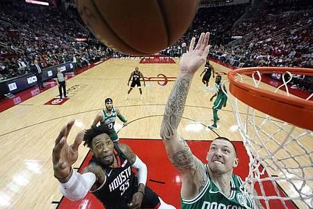 Nach 20 Wochen Corona-Pause nimmt die NBA den Spielbetrieb wieder auf. Foto: David J. Phillip/AP/dpa