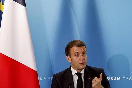 Hat mit seinem «Hirntod»-Attest für viel Wirbel in der Nato gesorgt:Frankreichs Präsident Emmanuel Macron. Foto: Ludovic Marin/POOL AFP/AP/dpa