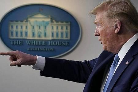 US-Präident Donald Trump kündigte weitere Corona-Hilfen an. Foto: Evan Vucci/AP/dpa