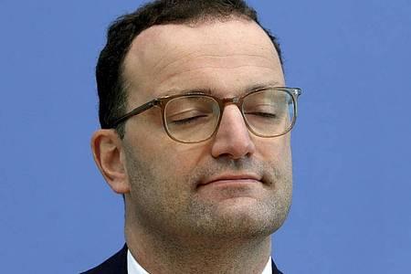 Gesundheitsminister Jens Spahn ist als erster im Kabinett positiv auf Corona getestet worden. Foto: Michael Sohn/AP Pool/dpa