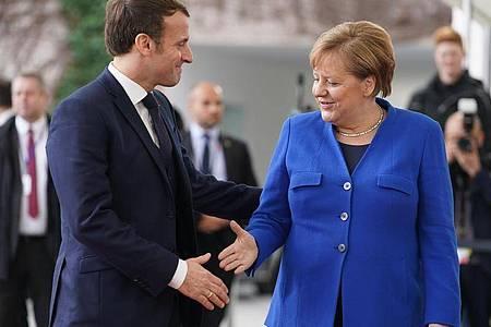 Bundeskanzlerin Merkel empfängt im Januar Emmanuel Macron vor dem Bundeskanzleramt. Foto: Kay Nietfeld/dpa