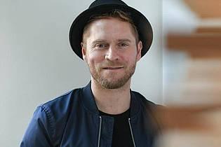 Den deutsche Popsänger und Songwriter Johannes Oerding zieht es nicht auf die Autokino-Bühne. Foto: Jens Kalaene/zb/dpa