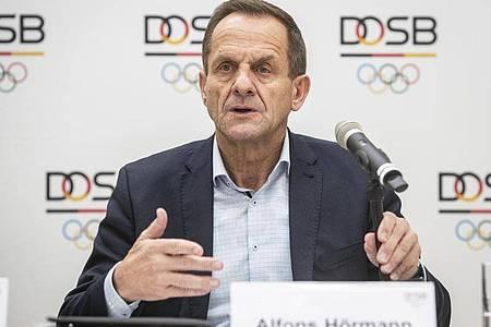 In Sorge um den organisierten Sport: DOSB-Präsident Alfons Hörmann. Foto: Frank Rumpenhorst/dpa