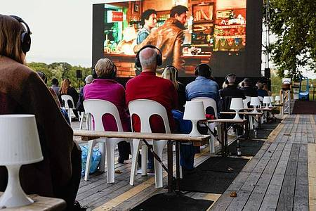 Wegen der Corona-Pandemie war das Filmfestival in diesem Jahr als reines Freiluftkino konzipiert. Foto: Uwe Anspach/dpa