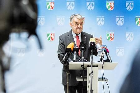 Herbert Reul (CDU), Innenminister von Nordrhein-Westfalen. Foto: Marcel Kusch/dpa