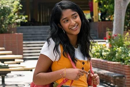 Devi (Maitreyi Ramakrishnan) lässt sich nicht unterkriegen. Foto: Lara Solanki/Netflix/dpa