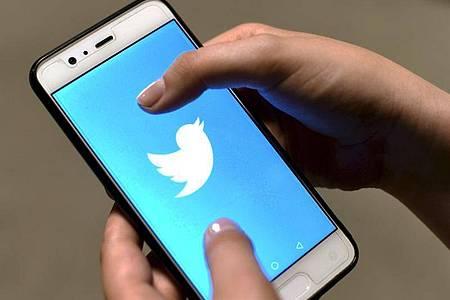 Die Twitter-App auf einem Smartphone. Foto: Martti Kainulainen/Lehtikuva/dpa