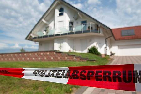 Das Haus des ermordeten Kasseler Regierungspräsidenten Walter Lübcke. Foto: Swen Pförtner/dpa