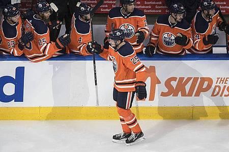 Musste beim NHL-Restart eine Niederlage mit den Edmonton Oilers hinnehmen: Leon Draisaitl. Foto: Jason Franson/The Canadian Press/AP/dpa