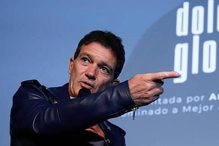 Antonio Banderas spricht über seinen Film «Leid und Herrlichkeit» (2020). Foto: Álex Zea/Europa Press/dpa