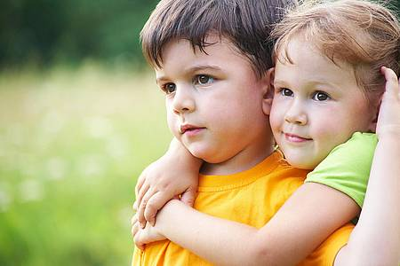 zwei Kinder