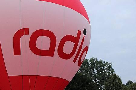 Heißluftballon mit dem radio-Logo