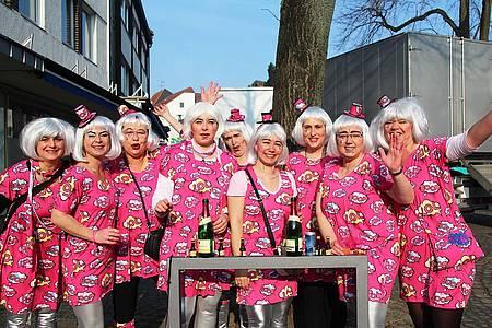 Gruppe verkleideter Jecken aus Steinheim