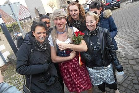 Gruppe verkleideter Jecken aus Nieheim