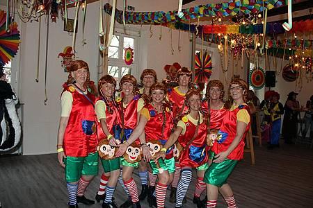 Gruppenfoto von verkleideten Frauen