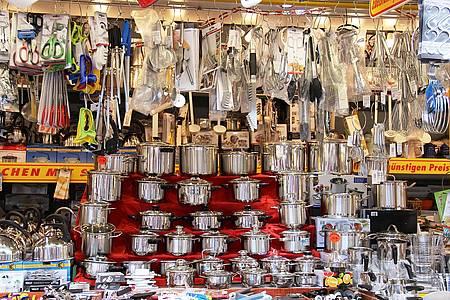 Topfstand auf dem Libori-Pottmarkt