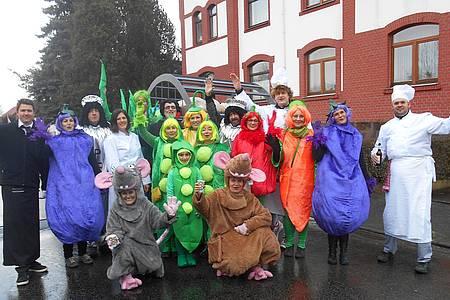 Gruppe verkleideter Jecken aus Beverungen/Lauenförde